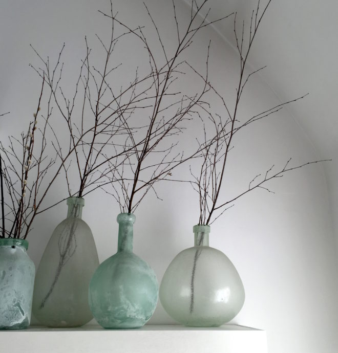 bold-vases-and-twigs