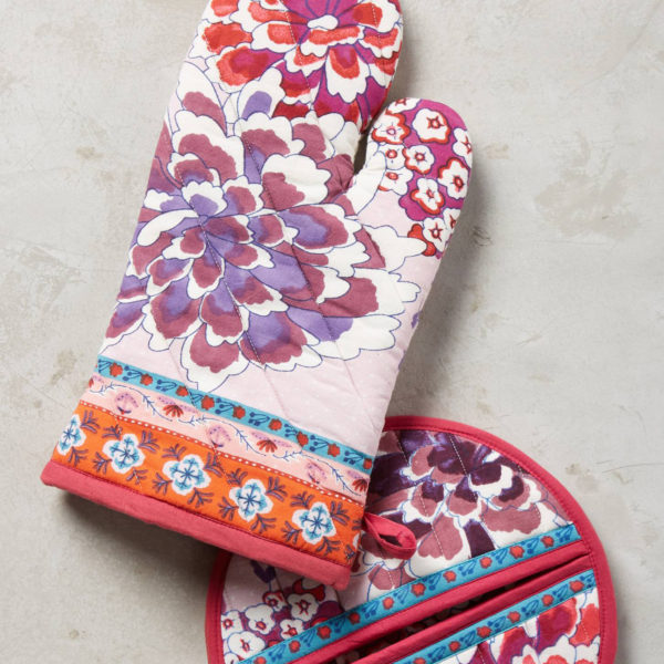 Anthropologie-rose-oven-mitt