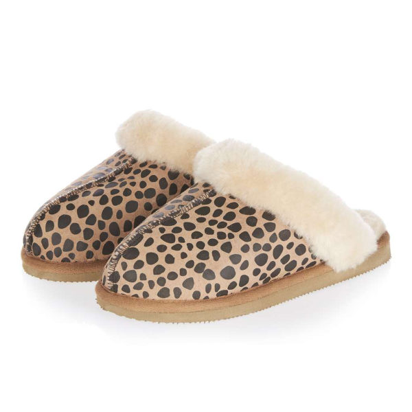 topshop_sheepskin_leopard_slippers