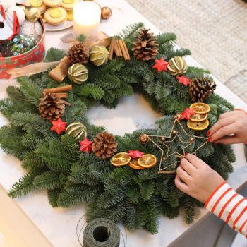 lucyfeltonchristmaswreathdiy8