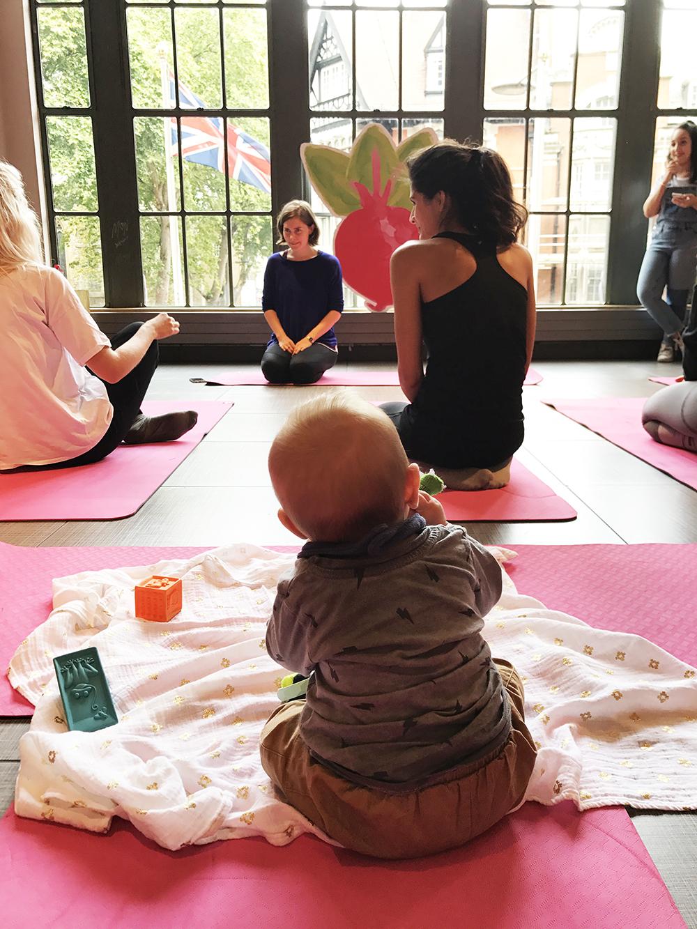 Baby yoga1