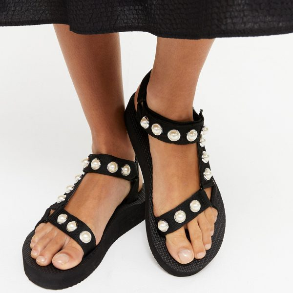black trekky strap sandals with faux pearls